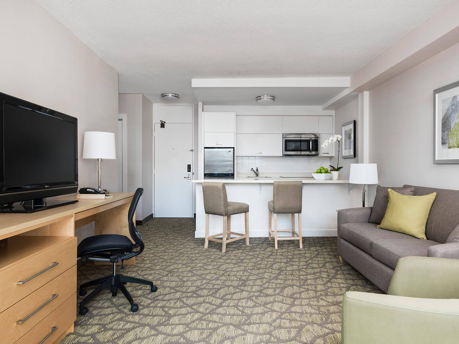 hotel with living room one bedroom hotel suite with balcony chelsea hotel toronto 14923